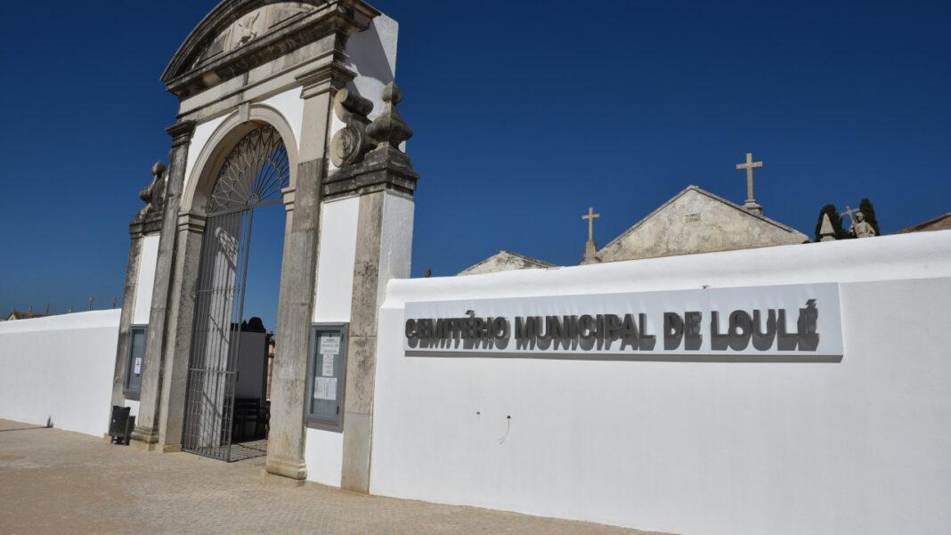 Cemitérios de Loulé abertos