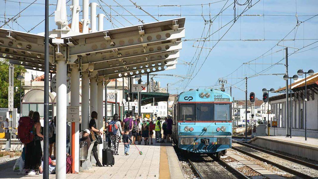 A Infraestruturas de Portugal lançou hoje o Concurso Público para a empreitada de Eletrificação da Linha do Algarve no troço de 56 quilómetros entre Faro e Vila Real de Santo António.