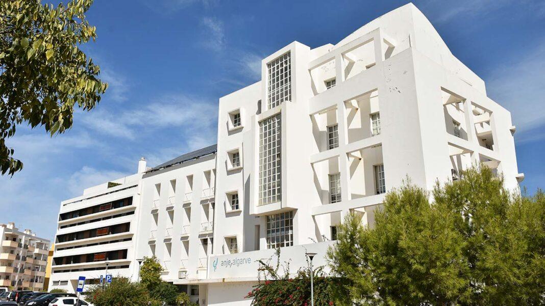 A Câmara Municipal de Faro vai comprar o edifício da ANJE - Associação Nacional de Jovens Empresários, na zona da Penha.