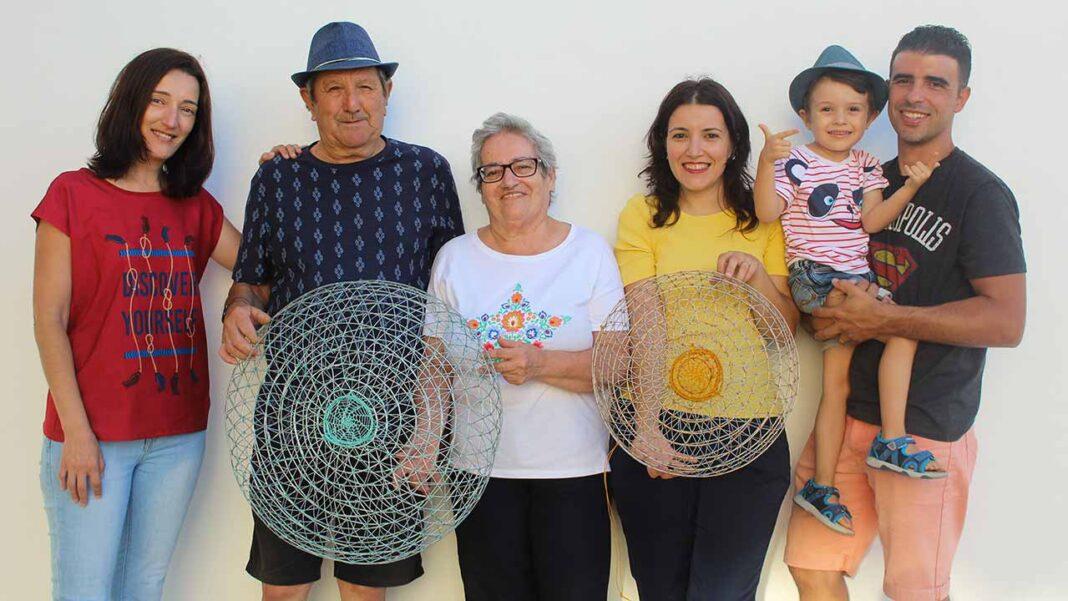 Francisco Valeiro, 74 anos, pescador reformado de Olhão, acredita que é um dos poucos no Algarve que ainda domina a técnica de construção de murejonas, arte de pesca tradicional algarvia.