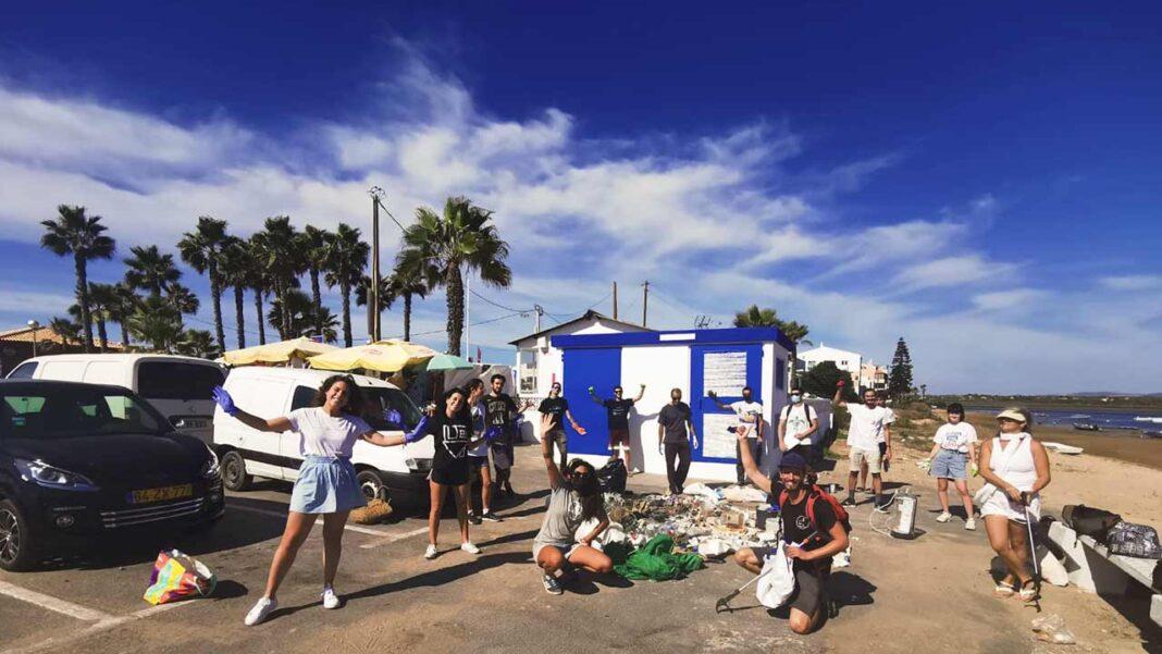 Uma limpeza da Praia de Faro, organizada pela campanha «Há mar e mar, Há usar e Recuperar» juntamente com o The Trash Traveler e entidades locais como Centro de Ciência Viva Algarve, LinkedGreen, SeaSheperd, Erasmus Student Network, Núcleo de estudantes brasileiros da Ualg, Retona e Fagar, decorreu hoje, quinta-feira, dia 8 de outubro.
