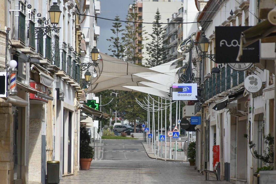 Associação do Comércio e Serviços da Região do Algarve (ACRAL) considera que a região «atravessa uma das maiores crises de sempre» e vive «situação de agonia».