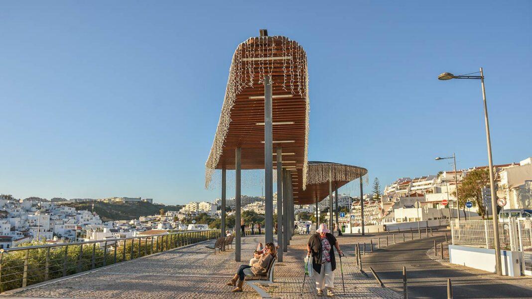Turismo em Portugal afunda em outubro mas o Algarve é exceção devido ao Grande Prémio de Portugal em F1, em Portimão.