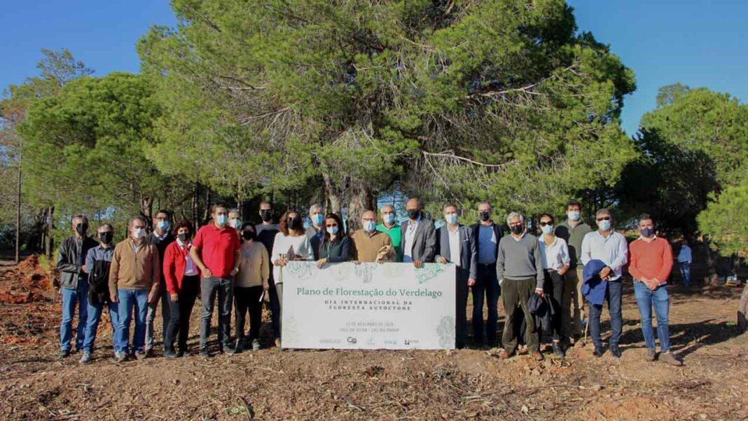 O Dia da Floresta Autóctone foi assinalado em Castro Marim com uma ação de Educação Ambiental no Empreendimento da Verdelago, a primeira de muitas que se seguirão, procurando responder ao repto «uma árvore por cada cama turística».
