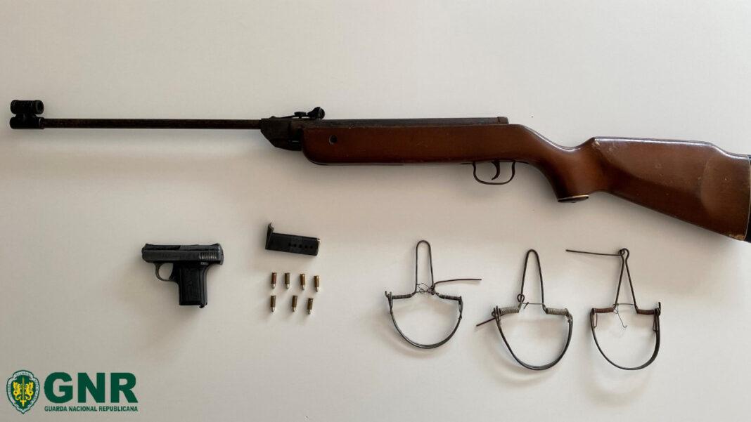 GNR apreende armas em Ameixial