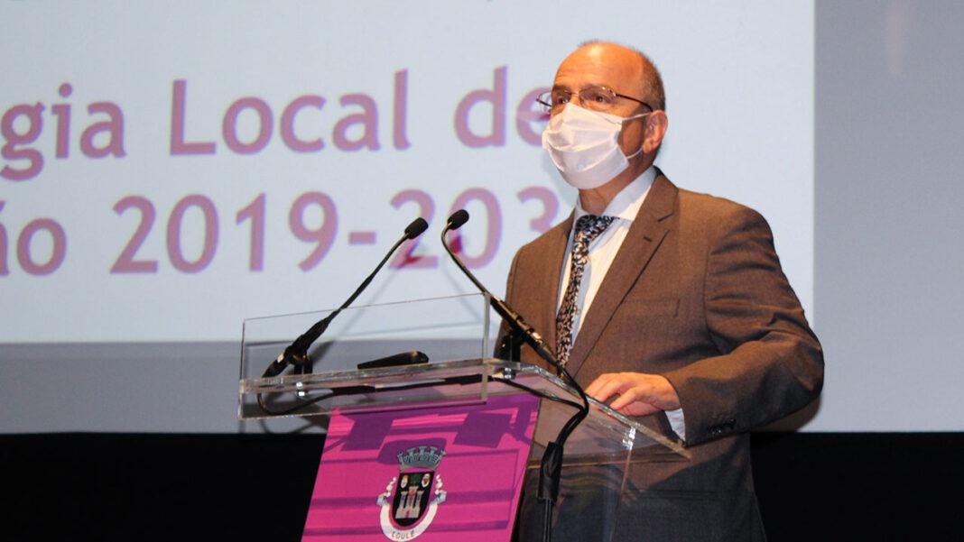 Decorreu na segunda-feira à noite, no Cineteatro Louletano, uma sessão extraordinária da Assembleia Municipal de Loulé que teve como único ponto da ordem do dia o debate sobre o estado do município.