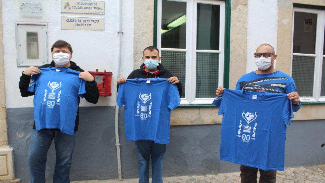 Associação de Futebol do Algarve oferece t-shirts a instituições