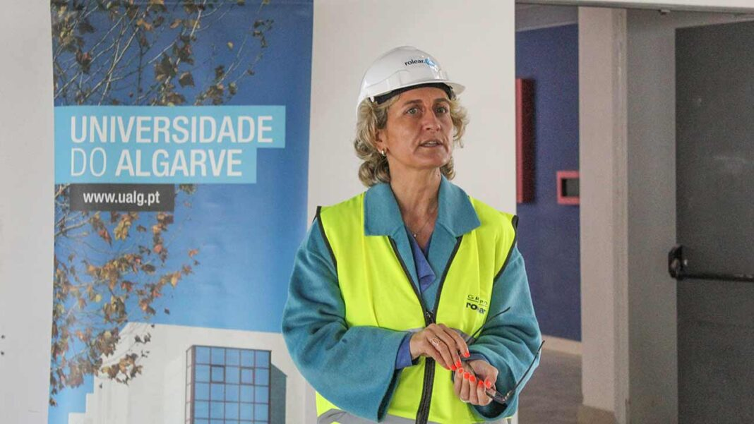Ana Abrunhosa esteve esta manhã nos campi da Universidade do Algarve (UAlg), a propósito do 41º aniversário da academia, onde reconheceu que a região é das mais castigadas do país pela pandemia da COVID-19.
