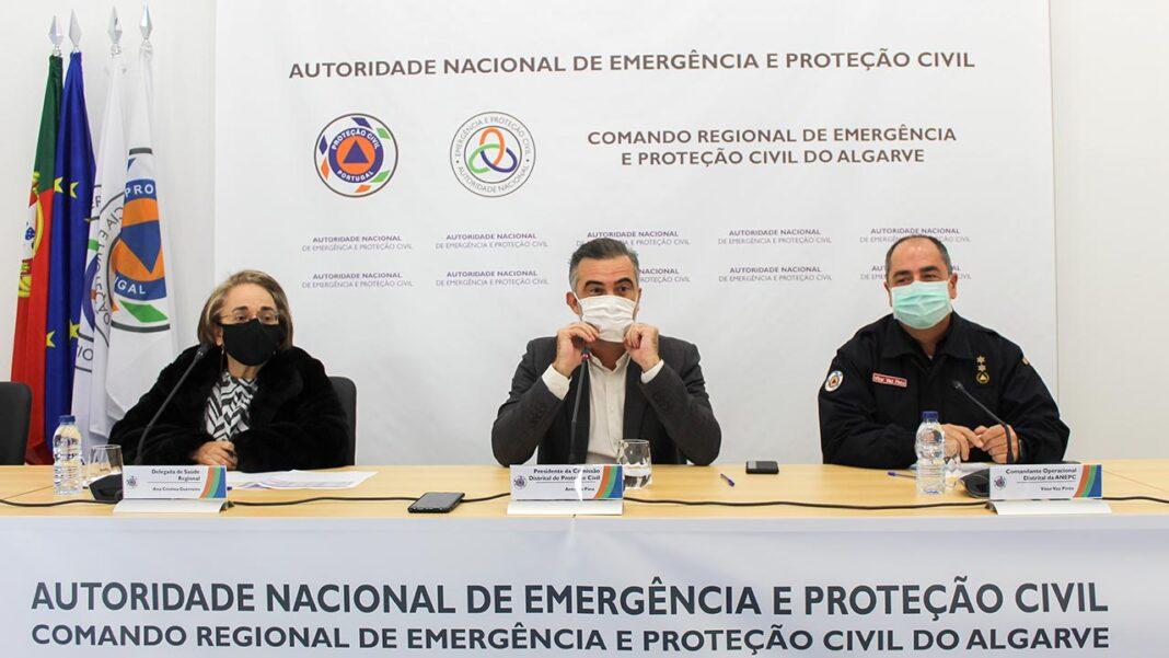 A vacinação contra a doença da COVID-19 no Algarve vai começar ainda este mês de dezembro segundo avançou hoje aos jornalistas Ana Cristina Guerreiro, delegada de saúde regional.