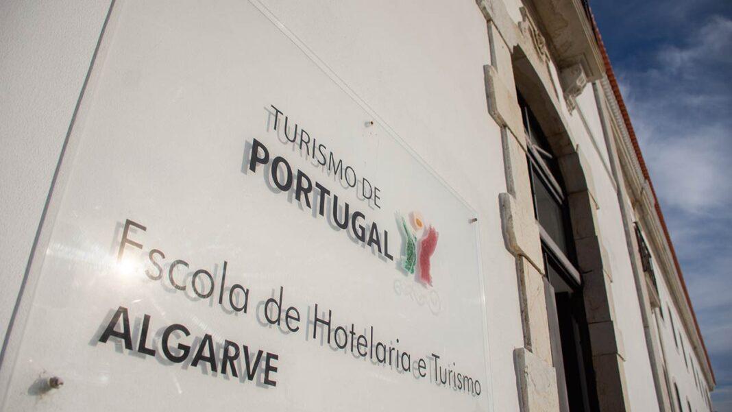 O Programa Operacional do Algarve aprovou as candidaturas submetidas pelos operadores de formação com oferta de Cursos de Especialização Tecnológica (CET) acreditada, com destaque para as Escolas de Hotelaria do Turismo de Portugal, financiando com fundos europeus a realização de novos cursos a iniciar em 2021.