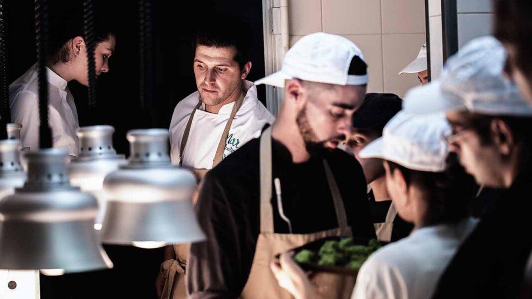 O VISTA Restaurante, espaço gastronómico que pertence ao Bela Vista Hotel & Spa renova, no ano de 2020, a sua Estrela Michelin. Pelo terceiro ano consecutivo, o chef João Oliveira e a sua equipa são congratulados com a distinção do guia gastronómico mais influente do ano.