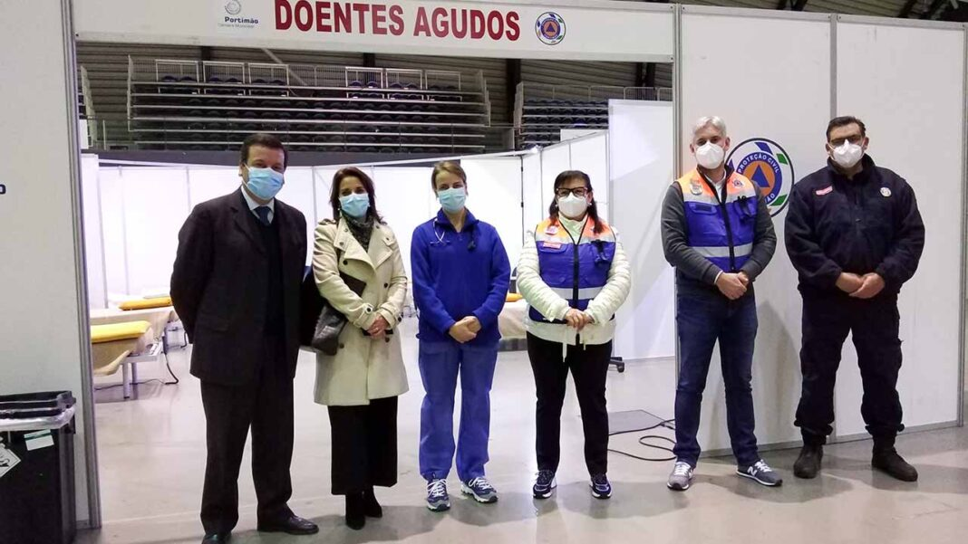 Hospital de campanha instalado no Portimão Arena pronto para receber doentes com COVID-19. Infraestrutura que está operacional desde abril passado pode receber doentes de todo o país e conta com uma centena de camas.