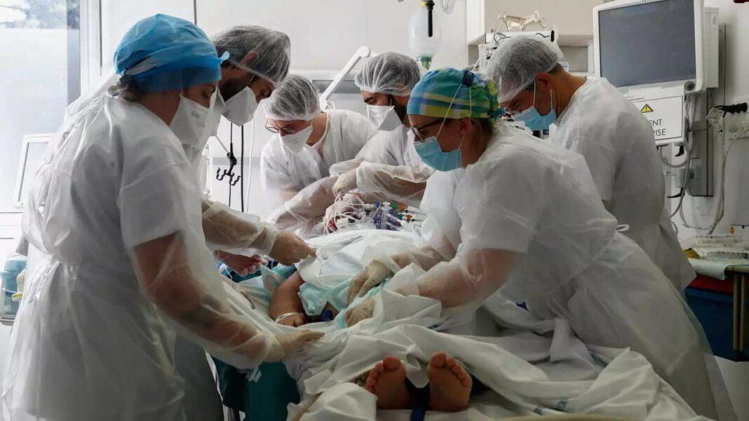 Portugal registou hoje 275 mortes relacionadas com a covid-19, o maior número de óbitos em 24 horas desde o início da pandemia, e 11.721 novos casos de infeção com o novo coronavírus, segundo a Direção-Geral da Saúde (DGS).