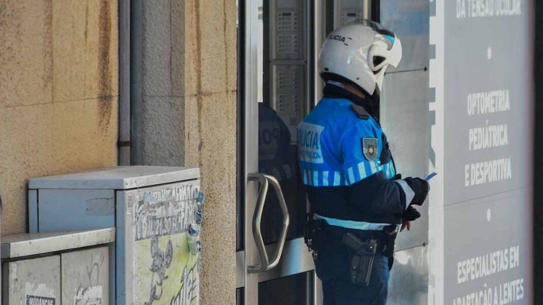 Na sequência de diversas investigações, por roubos violentos, ocorridos recentemente em locais isolados dos concelhos de Faro, Loulé e Tavira, a cargo da Diretoria do Sul da Polícia Judiciária e do Comando Territorial de Faro da Guarda Nacional Republicana, foi desencadeada uma ação policial conjunta, designada por Operação FarOeste.