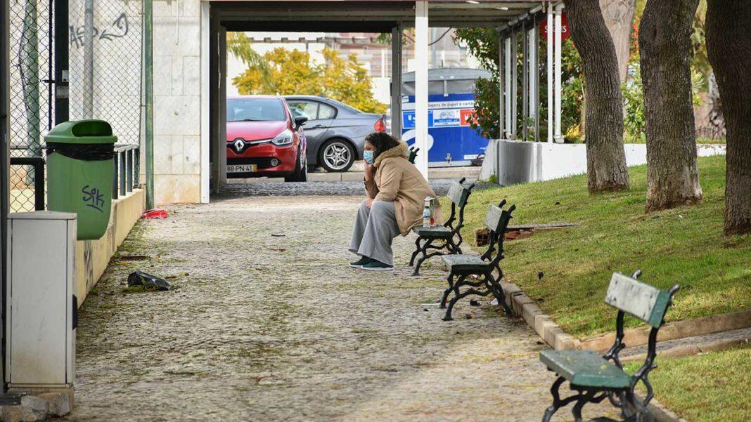 A esperança média de vida em Portugal vai necessariamente diminuir em consequência da pandemia de COVID-19,