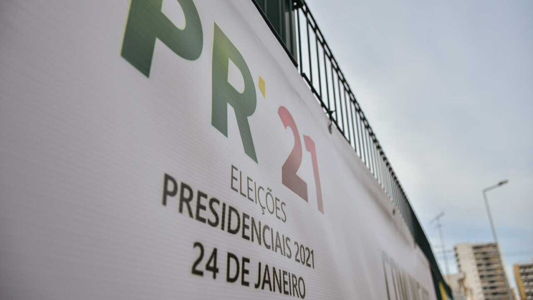 O escrutínio para eleger o Presidente da República decorre hoje e a tomada de posse do próximo chefe do Estado acontece em 09 de março, perante a Assembleia da República, como manda a Constituição de 1976.