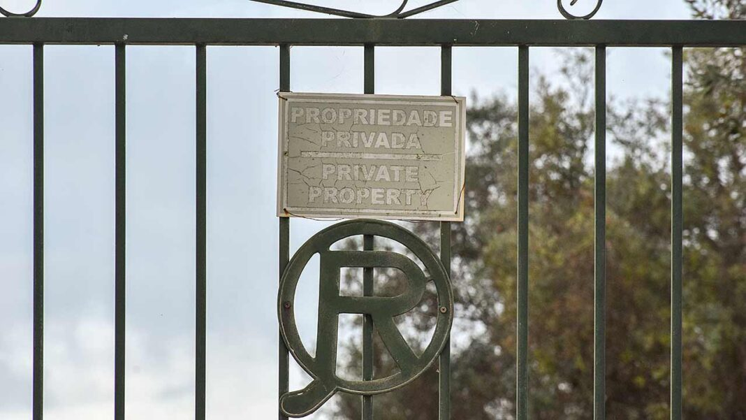 Para o Bloco de Esquerda (BE) o projeto da Quinta da Rocha, na Ria de Alvor, não pode prosseguir. Partido acusa as entidades oficiais, ICNF e a CCDR Algarve de «ignorarem» as áreas que se encontram à sua responsabilidade.