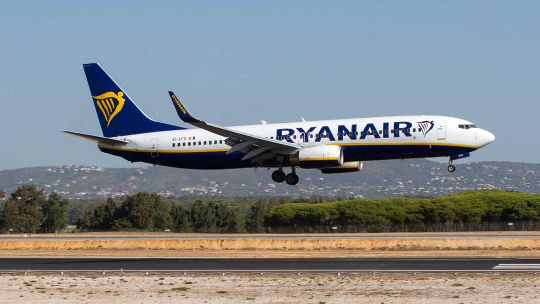 O grupo parlamentar Os Verdes (PEV) questionaram hoje o governo sobre os «abusos laborais» contra os trabalhadores da companhia aérea Ryanair, inclusive sobre o incumprimento da legislação portuguesa em matéria laboral, lembrando o contexto da pandemia da COVID-19.
