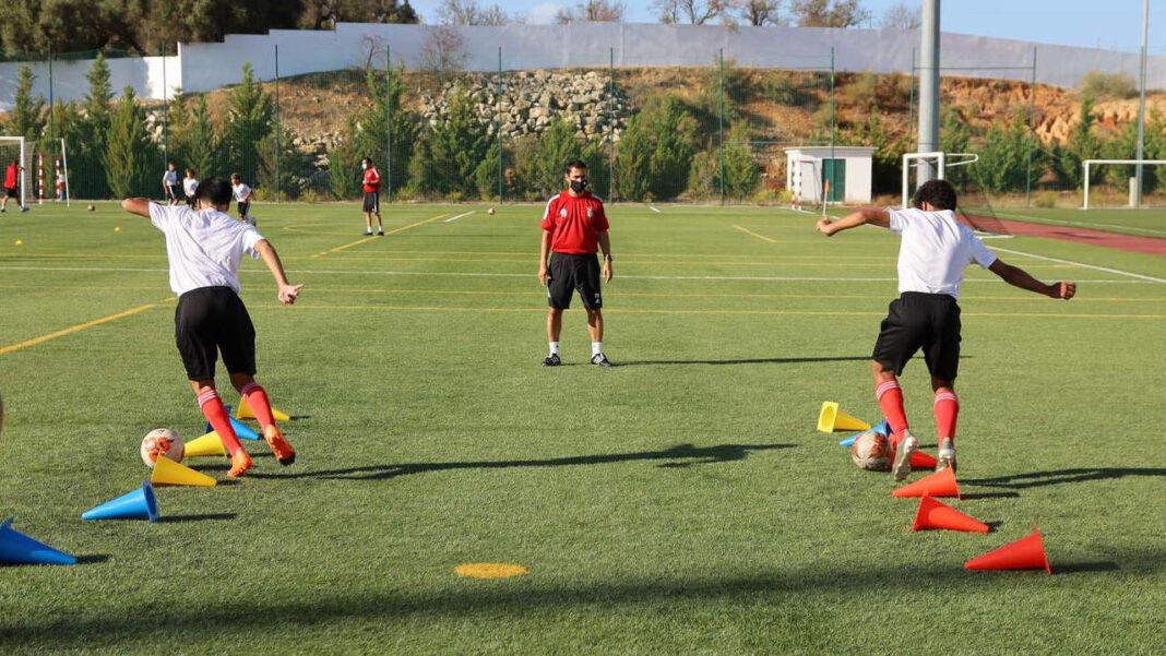 Formação do Benfica faz estágio em Lagoa