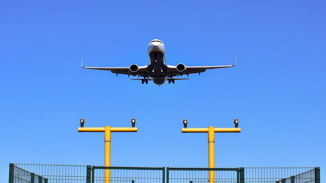 Portugal prorrogou até final do mês de janeiro as medidas restritivas relativas ao tráfego aéreo de fora da União Europeia e do Espaço Schengen, que continua limitado a «viagens essenciais» e sujeito a teste prévio negativo à COVID-19.