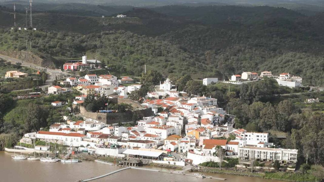 O município de Alcoutim vai proceder à revisão do Plano Diretor Municipal (PDM).