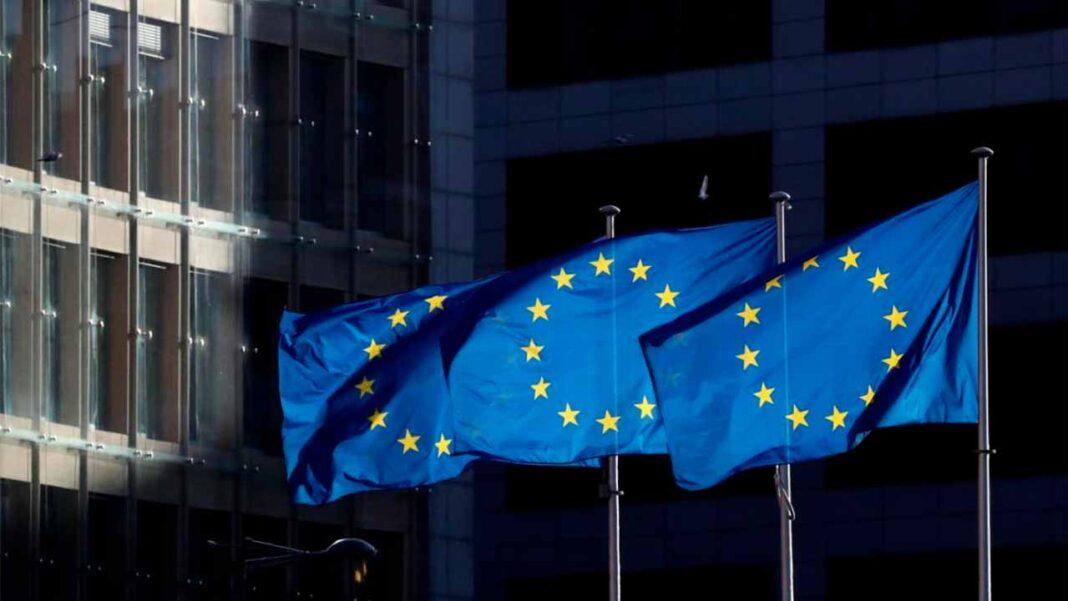 A Comissão Europeia publica hoje as previsões macroeconómicas intercalares de inverno, numa altura em que a pandemia da COVID-19 continua bem presente e a atrasar o ritmo de recuperação económica na União Europeia.