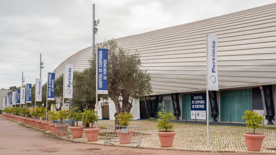 Segundo Paulo Morgado, presidente da Administração Regional de Saúde (ARS do Algarve), o hospital de campanha montado no Portimão Arena será dispensado quando a pandemia abrandar.