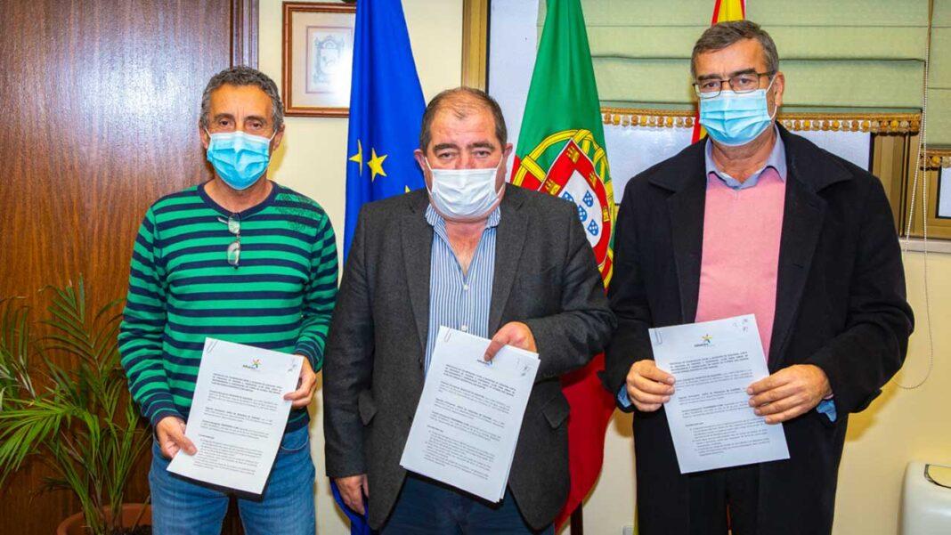 Paderne ganha novo campo de futebol e balneários obras no valor de meio milhão de euros, investimento da Câmara Municipal de Albufeira.