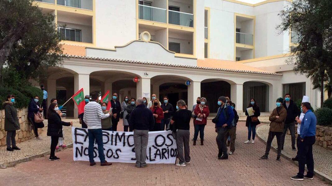 Partido Comunista Português (PCP) marca presença solidária junto dos trabalhadores do Grupo JJW em luta pelo pagamento de salários em atraso.