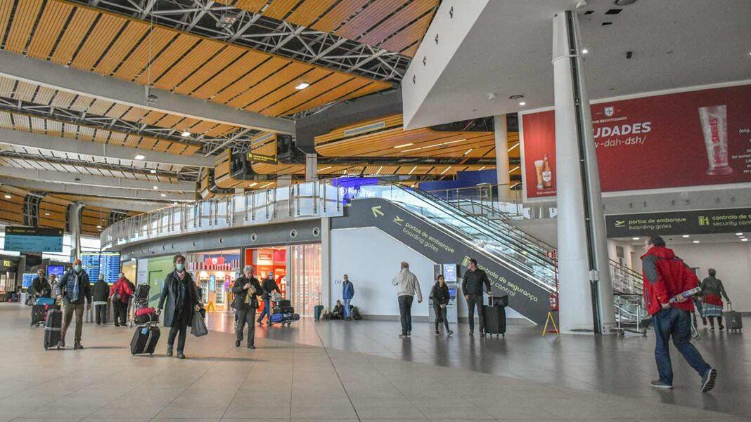 O Serviço de Estrangeiros e Fronteiras (SEF) controlou, nos aeroportos, 19.610 passageiros vindos de países da União Europeia e do Espaço Schengen e outros 6.228 passageiros provenientes de países terceiros, entre 31 de janeiro e quinta-feira.