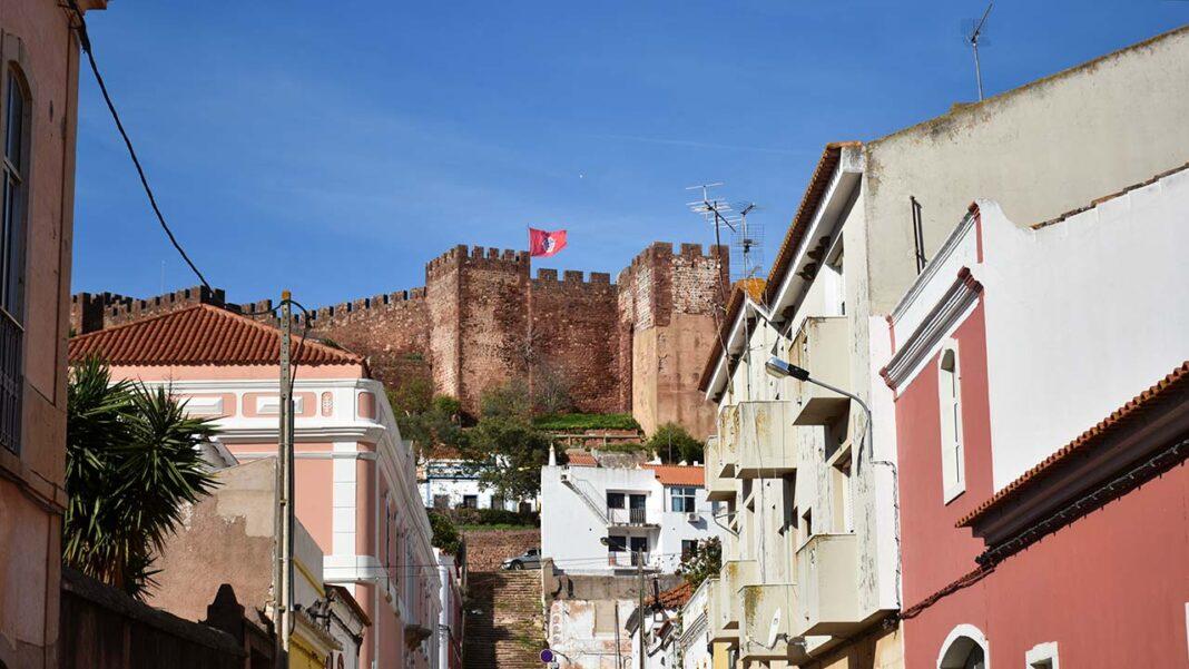 Município de Silves assinou acordo de colaboração no âmbito do programa de apoio ao acesso à habitação 1.º direito.