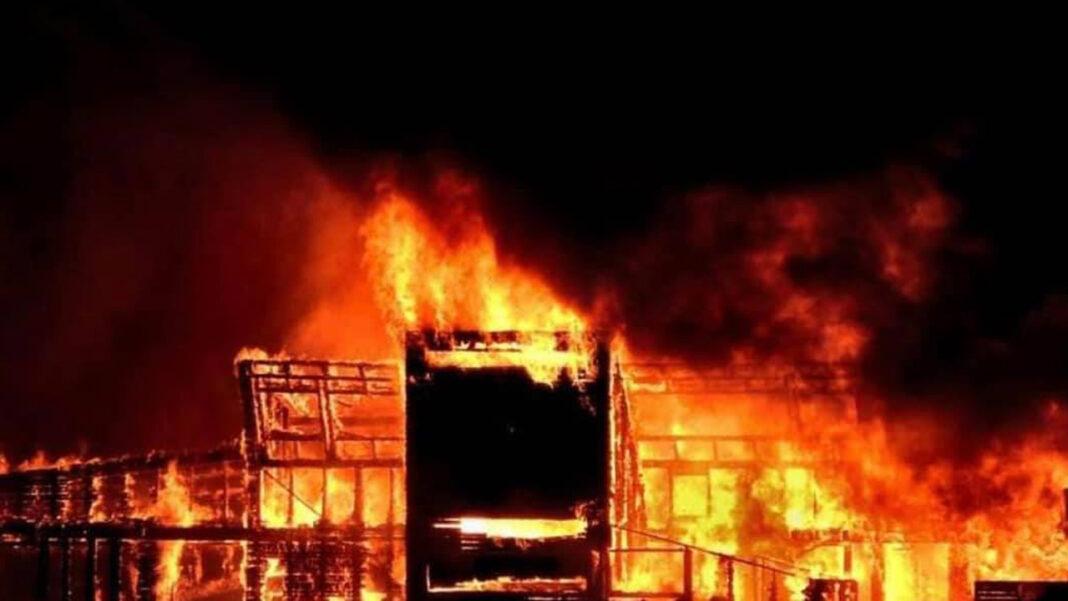 Incêndio na Ilha Deserta