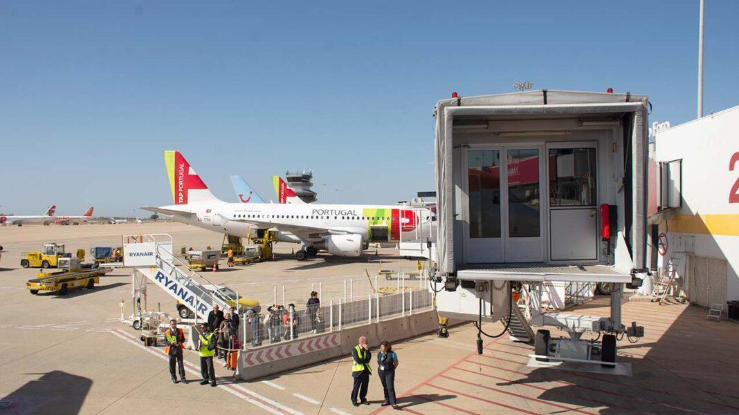 Aeroporto de Faro está entre os cinco nacionais premiados pela segurança dos passageiros no contexto da pandemia COVID-19.