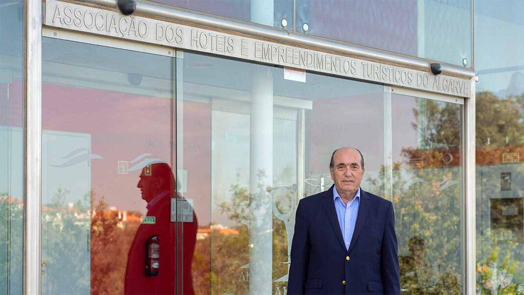 Elidérico Viegas, histórico presidente da Associação dos Hotéis e Empreendimentos Turísticos do Algarve (AHETA) pediu hoje a exoneração do cargo.