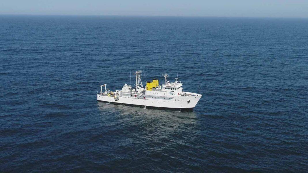 O navio da Marinha NRP Almirante Gago Coutinho está a realizar estudos na costa sul. Trata-se da segunda fase da campanha hidro-oceanográfica multidisciplinar que o NRP Almirante Gago que teve início no dia 26 de março.