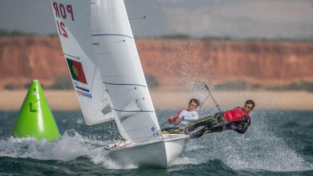 Os velejadores portugueses Pedro e Diogo Costa garantiram hoje o apuramento para os Jogos Olímpicos Tóquio 2020 ocupando a única vaga ainda disponível para a classe 470 masculina.