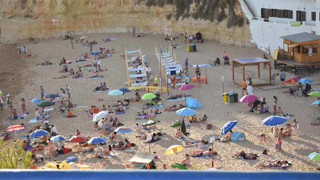 Portugal é considerado o melhor país da Europa a visitar em 2021 pelos utilizadores do website European Best Destinations, que destacam Braga, Porto, as praias de Cascais e do Algarve, a Madeira e os Açores como locais imperdíveis.