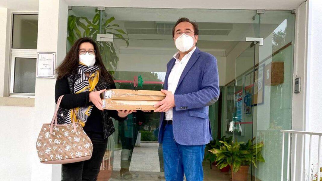 O município de São Brás de Alportel entregou esta quinta-feira, dia 4 de março, equipamentos informáticos e de acesso à internet para o serviço de Saúde Pública Local.