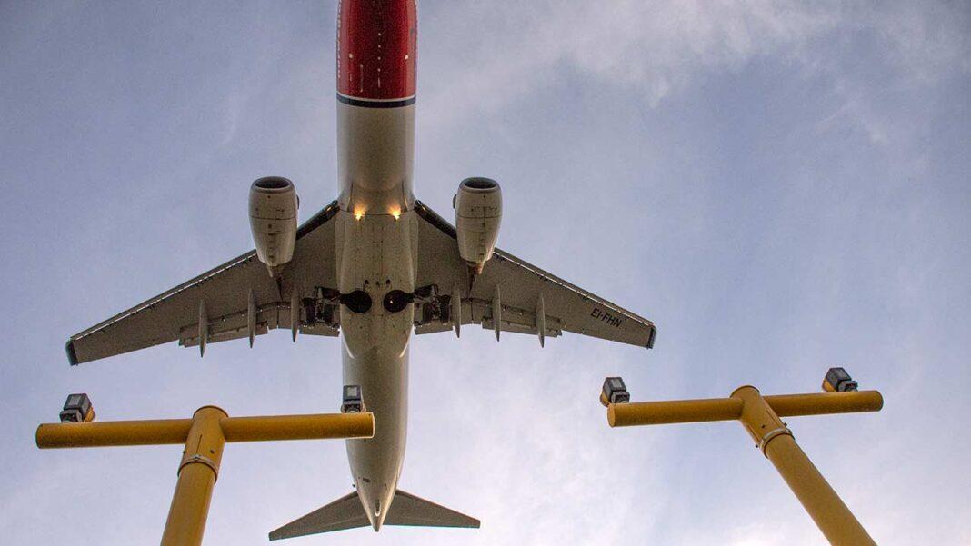 O governo alargou até 15 de abril a suspensão dos voos com o Reino Unido e Brasil e o isolamento profilático de 14 dias passa também a aplicar-se à fronteira terrestre para países de alto risco.