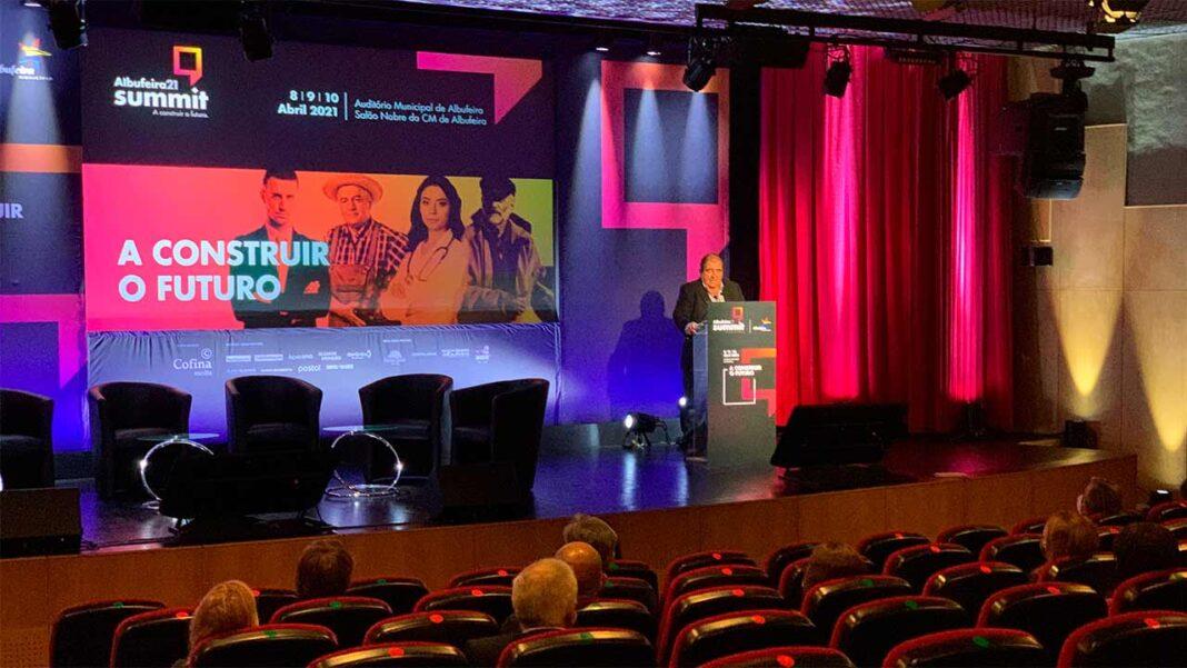 Albufeira 21 Summit dedicou o primeiro dia à importância da criação de redes e meios digitais.
