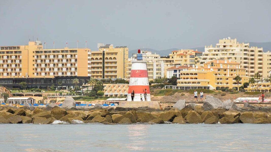 Moura, Odemira, Portimão e Rio Maior recuam hoje para a primeira fase do desconfinamento e outros seis concelhos mantêm as medidas da segunda fase.