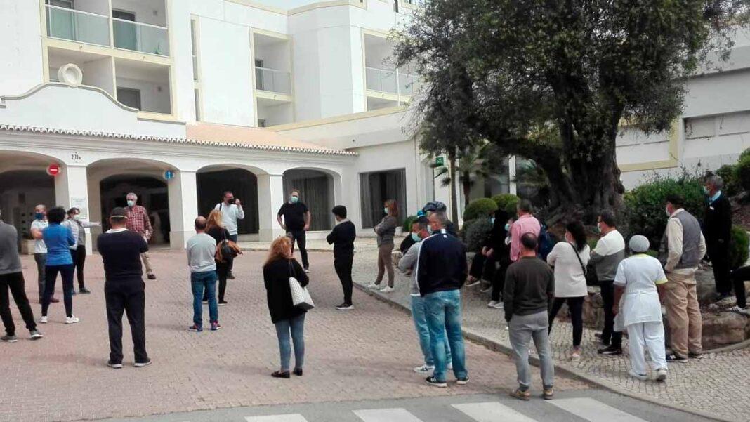 Num plenário, realizado ontem, dia 31, à tarde, no Hotel Dona Filipa, dezenas de trabalhadores do grupo JJW Hotels & Resorts decidiram fazer greve nos dias 16, 17 e 18 de abril.
