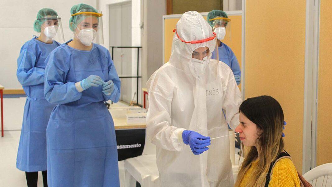 Mais de quatro mil pessoas voluntariaram-se para serem testadas na Universidade do Algarve (UAlg), seguindo o plano nacional proposto pela Direção-Geral de Ensino Superior (DGES) e a Direção-Geral da Saúde (DGS).