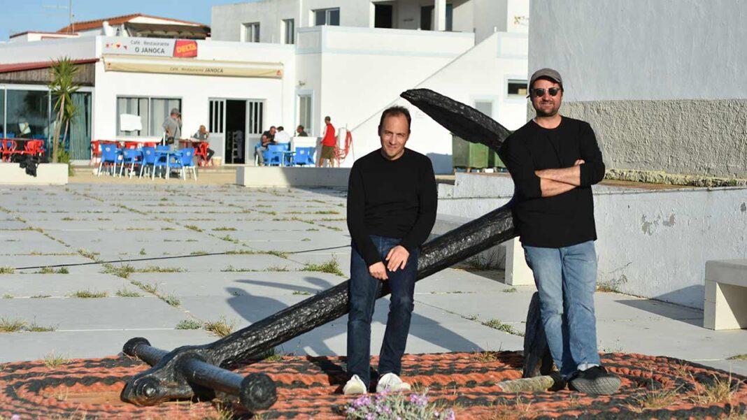 Teatro das Figuras convidou Luís Fernandes e Pierce Warnecke a passarem uma semana criativa na Culatra. Município de Faro vai criar um estúdio permanente para estas residências artísticas acontecerem ao longo do ano.
