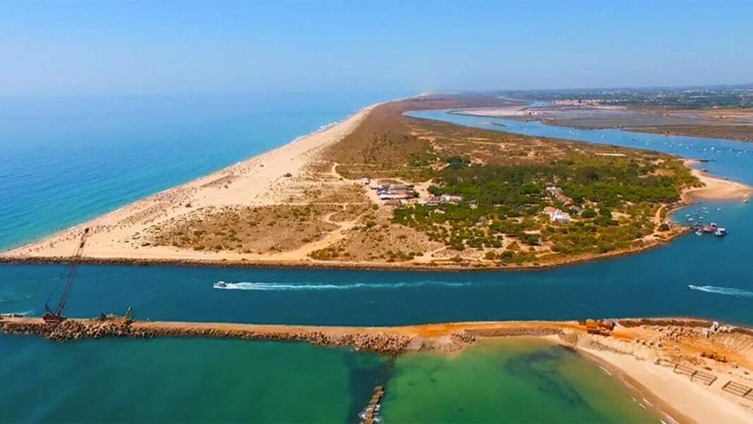 A Direção-Geral de Recursos Naturais, Segurança e Serviços Marítimos (DGRM) lançou o concurso para a dragagem do Porto de Tavira, de forma a restabelecer as condições de segurança e de operacionalidade na navegação.