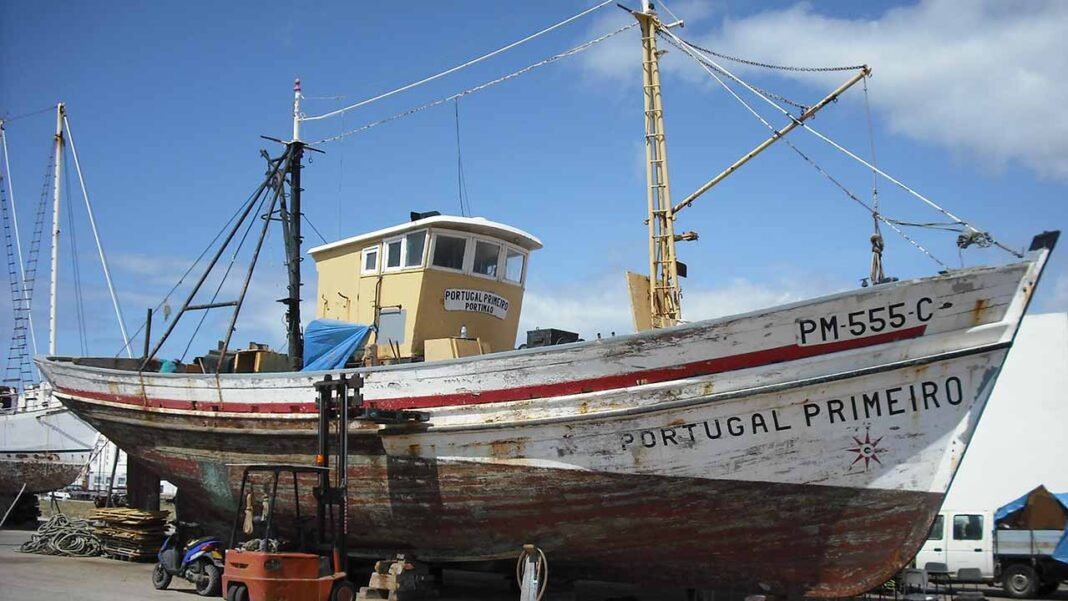 Portimão procura mão de obra especializada para reparação da «Portugal Primeiro». Obra de restauro poderá ser visitada junto ao Museu de Portimão.