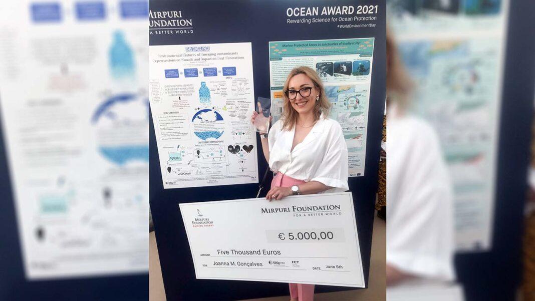 Joanna Melissa Gonçalves, doutoranda do curso de Ciências do Mar, da Terra e do Ambiente e investigadora do Centro de Investigação Marinha e Ambiental (CIMA) da Universidade do Algarve (UAlg), foi a grande vencedora do prémio Ocean Award da Fundação Mirpuri.