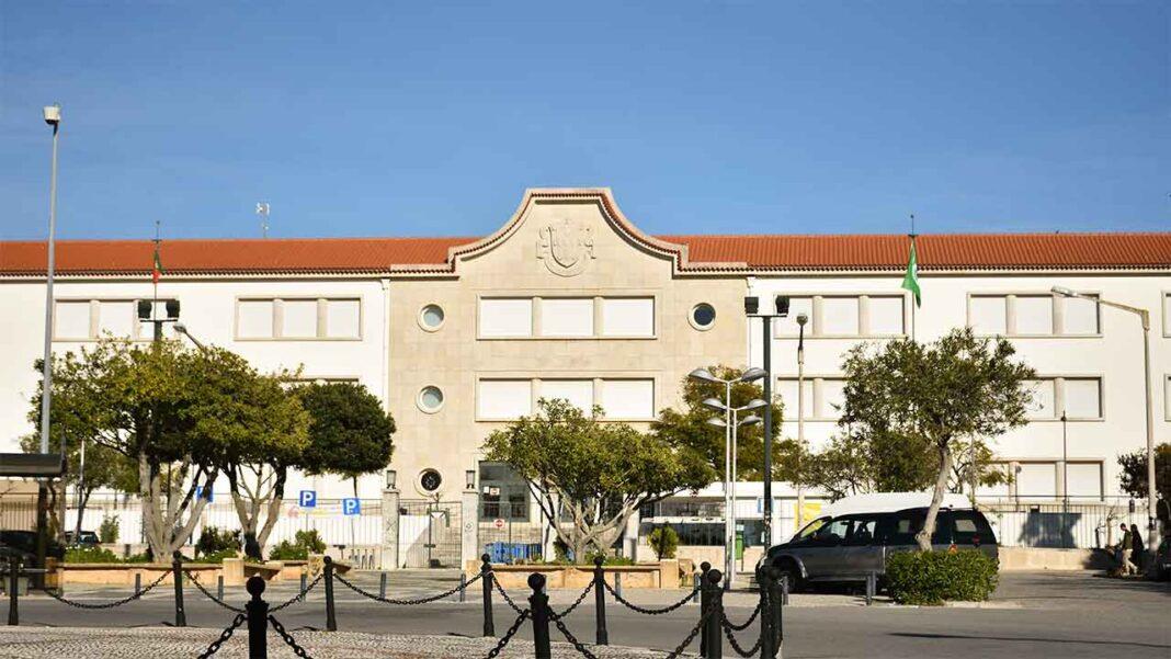 A Faculdade de Ciências e Tecnologia, o Centro de Ciências do Mar do Algarve (CCMAR) da Universidade do Algarve (UAlg) e o Agrupamento de Escolas João de Deus juntam-se numa nova iniciativa para acabar com o trabalho infantil no Algarve.