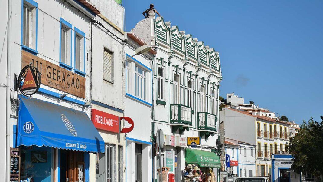 Câmara Municipal de Aljezur renova e reforça as medidas de apoio ao comércio, às empresas e às pessoas.