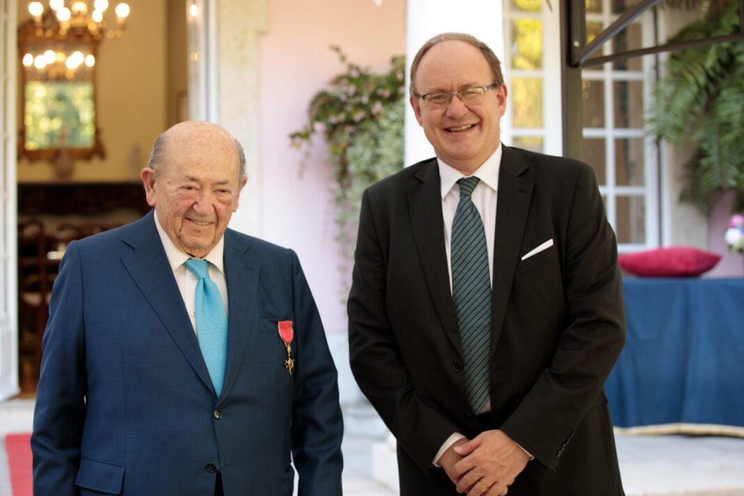 André Jordan recebeu a distinção de Oficial Honorário do Império Britânico, numa cerimónia oficial promovida pela Embaixada Britânica em Portugal.